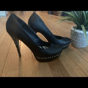 Shoe Dazzle Rinnah sz 8.5 shoe